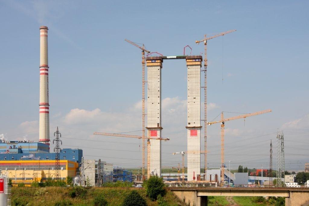 Centrale electrique e Ledvice (Republique Tche¨que) en cours