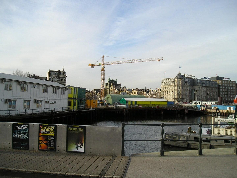 Van der Spek rents out tower crane for Noord/Zuidlijn-project