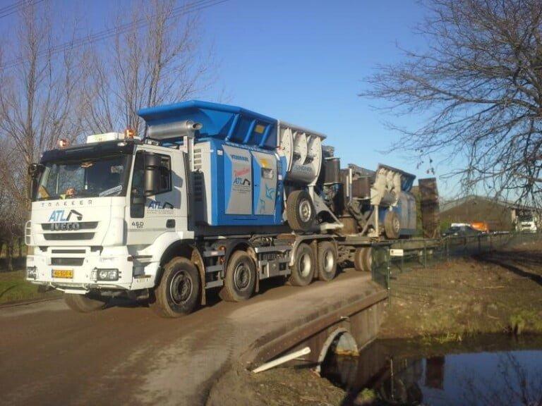 Derde nieuwe Lindner Urraco afgeleverd bij A. Tuytel Loon- en Verhuurbedrijf B.V.