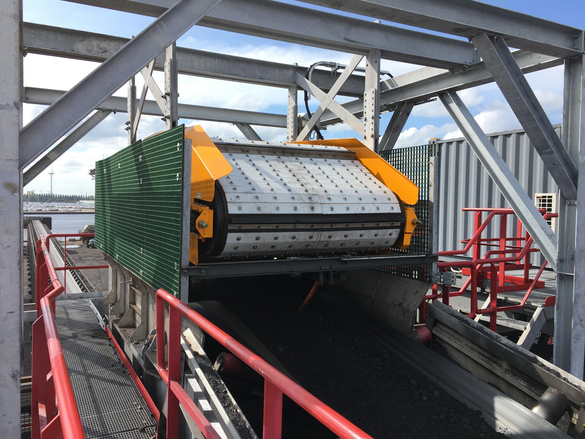 Wederom zware Steinert elektromagneet in gebruik genomen bij de OBA in Amsterdam.