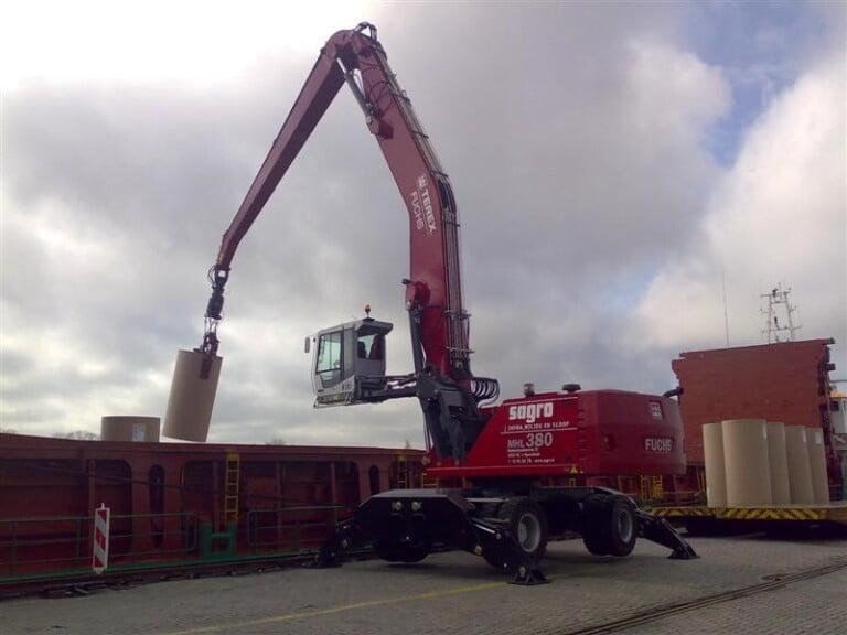 2de Terex-Fuchs MHL380 geleverd aan de Sagro Groep door Van der Spek Vianen