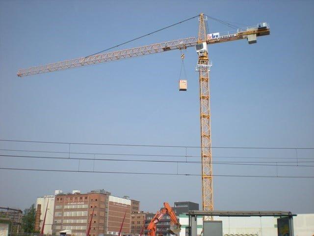 Belgien verkauft einen Liebherr Turmdrehkran 200 EC-H 10 Litronic mit Werknummer 50.000