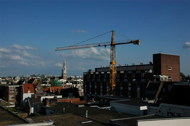 Van der Spek loue une vraie grue urbaine Liebherr au coeur d'Amsterdam!
