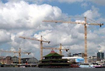 Chantier important avec grandes grues e partie tournante superieure e Amsterdam