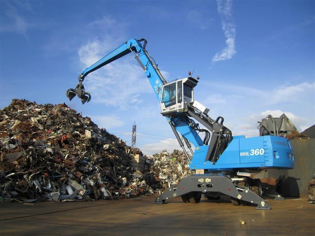 Knobel en Zn. B.V. Metaalrecycling gaat groter met Terex-Fuchs MHL360D