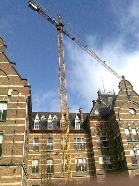 Lieferung gebrauchte Turmdrehkran 40 LC bei der Firma Van Honacker
