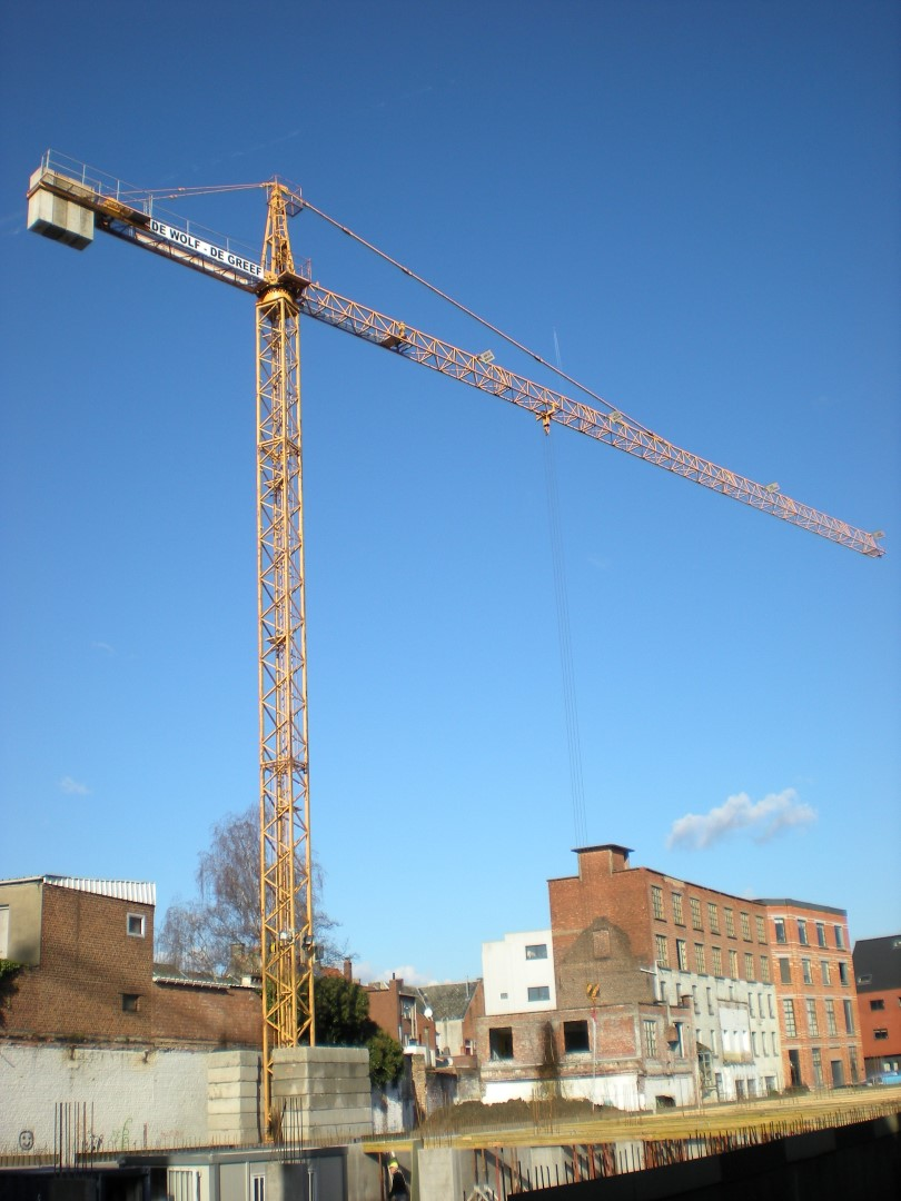 Second-hand tower crane 63 LC for the company De Wolf-De Greef from Ternat