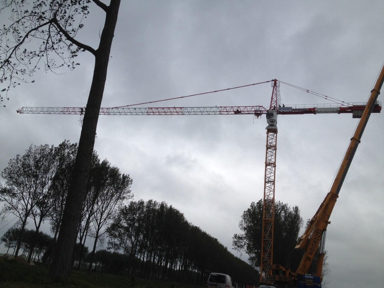 Neuer Liebherr Turmdrehkran fuer die Firma De Nul Jan