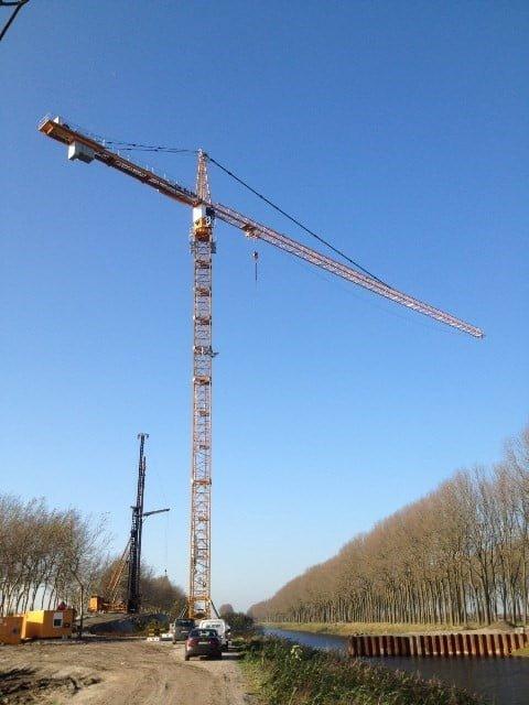 Wieder eine Lieferung eines Turmdrehkranes fuer die Firma Jan De Nul