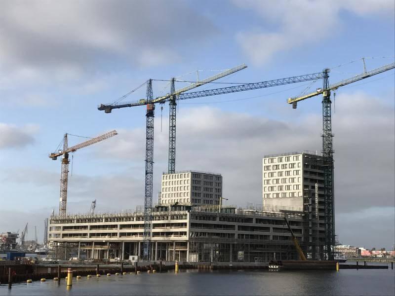"""Liebherr Turmdrehkrane fuer das Projekt """"Pontsteiger"""" in Amsterdam"""
